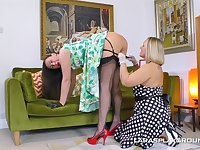 Lara and Ashley Rider know how to please each other's pussies