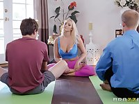 Bombshell yoga blonde Vanessa Cage opens her mouth wide for a cumshot