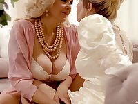 Stepmom introduces her stepdaughter to lesbian sex on her wedding day